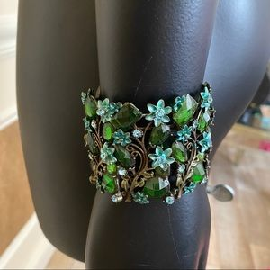Jewelry - Green wide floral crystal bracelet